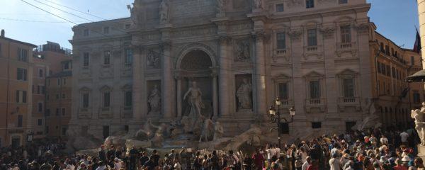 Fontana di Trevi – zwischen Hektik-Asiaten und Charmebolzen-Italienern