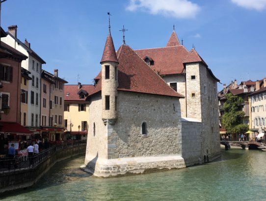 Das (Alpen-)Venedig von Frankreich
